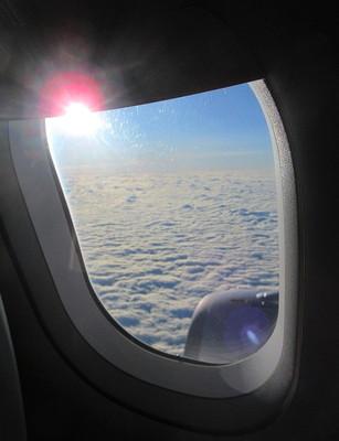 窓の雲.jpg